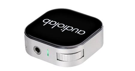 El M-DAC Nano es un DAC minimalista al que podrás enviar el audio del móvil vía Bluetooth