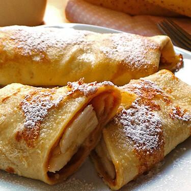 Crepas de crema de cacahuate, maple y plátano. Receta fácil