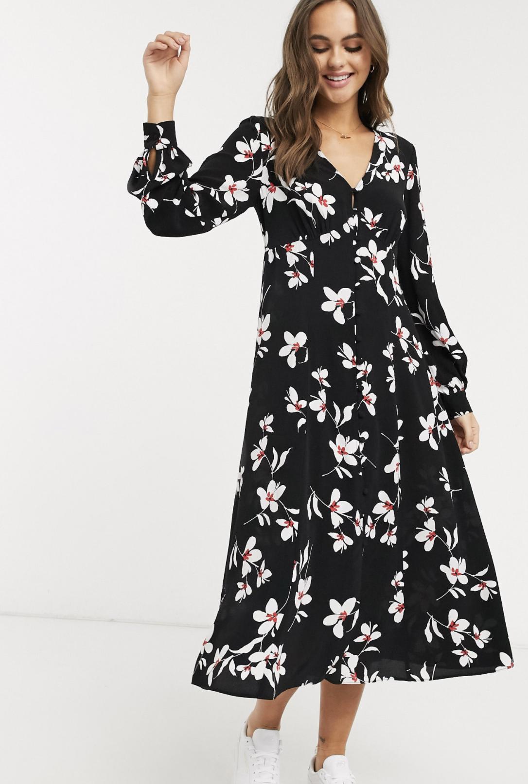 Vestido de flores con cuello de pico en negro de New Look