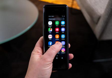 Samsung Galaxy Fold Pantalla Pequena