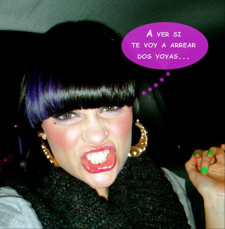 ¡Jessie J, lesbiana! O eso dice el libro que la saca del armario