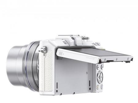pen_e-pl7_ez-m1442ez_white_silver__product_130.jpg