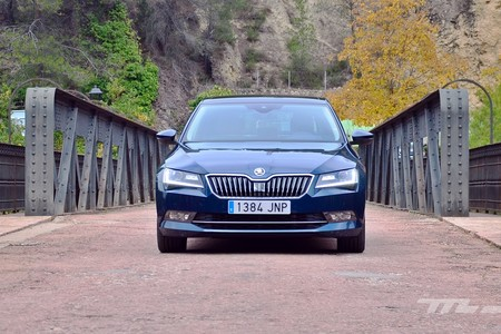 Skoda Superb 2 0 Tdi 150 L K 077