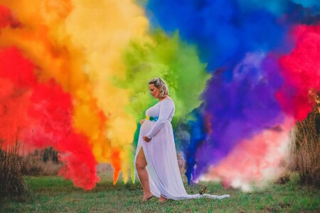 La preciosa sesión de fotos de una familia para su bebé arcoiris