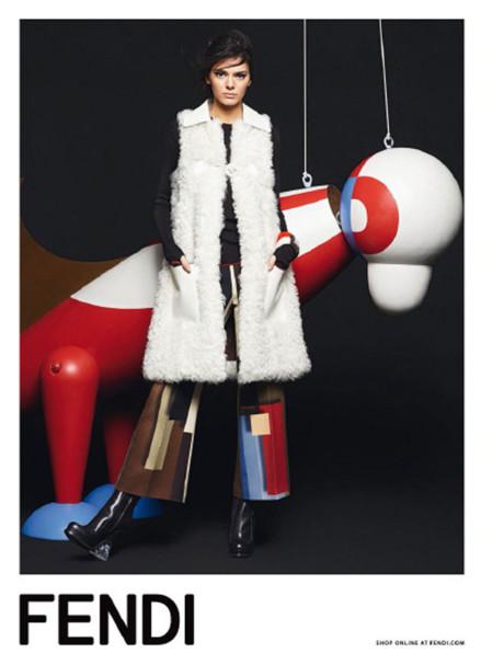De Cara Delevingne a Kendall Jenner, Lagerfeld ya tiene nueva chica it para Fendi (y Chanel)