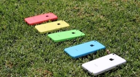 El posible iPhone 5C aparece en vídeo en cinco colores distintos