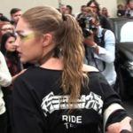 Gigi Hadid habla con Lena Dunham de su ataque en Milán: «Quiero que las niñas que lo vean sepan que tienen derecho a defenderse»