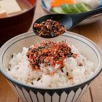Furikake, el condimento japonés que enriquece cualquier plato: qué es, cómo prepararlo y las mejores formas de utilizarlo