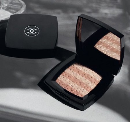 chanel-fall-2012-lumiere-dartifices-beiges.jpg