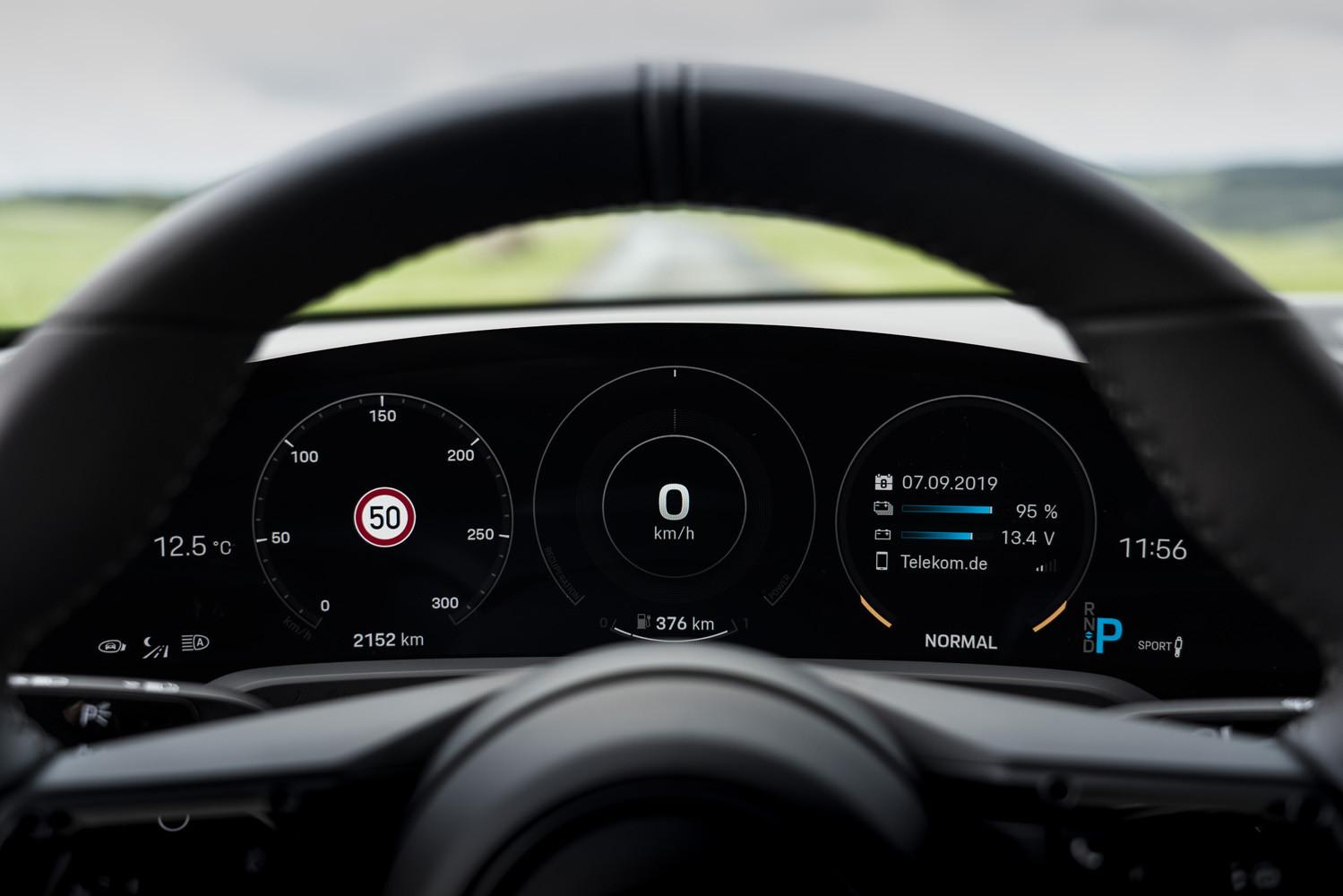 Foto de Porsche Taycan prueba contacto (96/275)