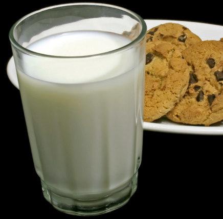 Desayunar con leche desnatada ayuda a adelgazar