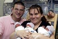 Padres de trillizos por segunda vez