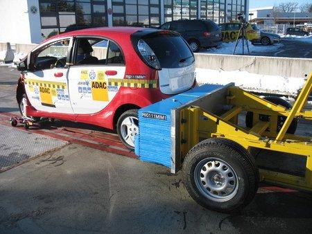 Crash test del Mitsubishi i MiEV