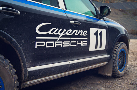 Porsche Classic Cayenne Showcar 30