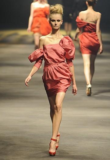 Foto de Lanvin, Primavera-Verano 2010 en la Semana de la Moda de París (11/15)