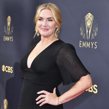 Premios Emmy 2021: Kate Winslet es la elegancia personificada con un vestido negro de Armani