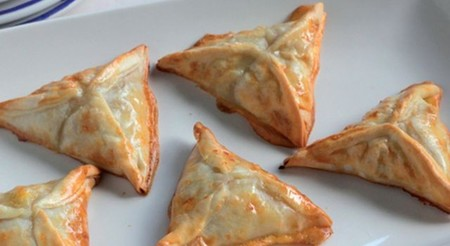 Empanadillas al horno de Burgo de Arias Lingote con cebolla caramelizada y pasas