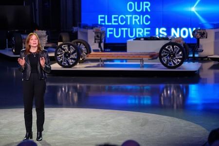 General Motors cree que los coches eléctricos tardarán décadas en inundar las carreteras estadounidenses