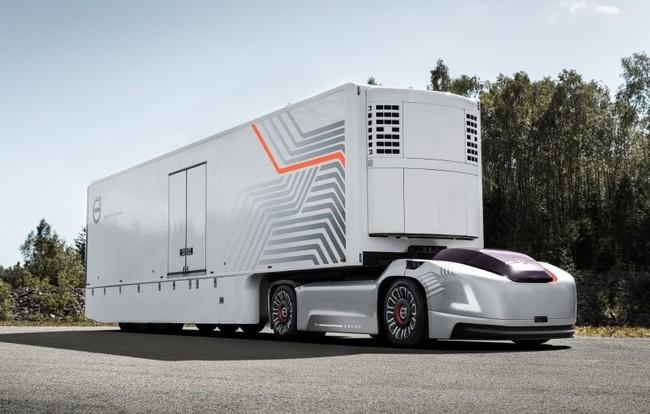Vera, el coche eléctrico y autónomo de Volvo que quiere remolcar a los camiones del futuro