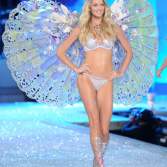 Foto 41 de 57 de la galería el-desfile-victorias-secret-fashion-2011-todas-las-imagenes en Trendencias