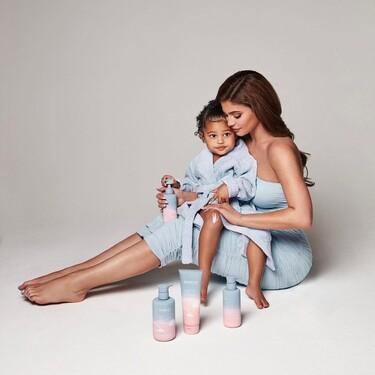 Kylie Jenner continúa expandiendo su imperio y lanza Kylie Baby, una firma cosmética para bebés