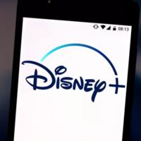 """Disney no quiere que compartamos contraseñas: tomará medidas para """"mitigar la piratería"""" en Disney+"""