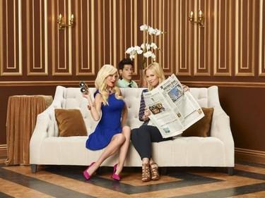 ¡Qué estupendo revival! Jennie Garth y Tori Spelling juntas de nuevo en una serie de televisión