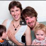 """Esta familia pide ayuda para financiar su estilo de vida sostenible y criar a sus hijos """"fuera del sistema"""""""