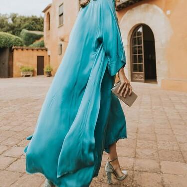 Los vestidos de invitada más elegantes para llevar en una boda de día en pleno otoño