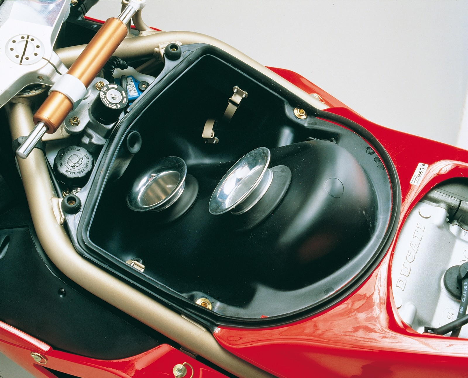 Foto de Ducati Panigale V4 25° Anniversario 916 (53/73)
