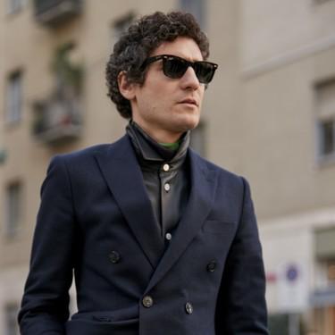 El mejor streetstyle de la semana: el traje azul marino no pasa de moda