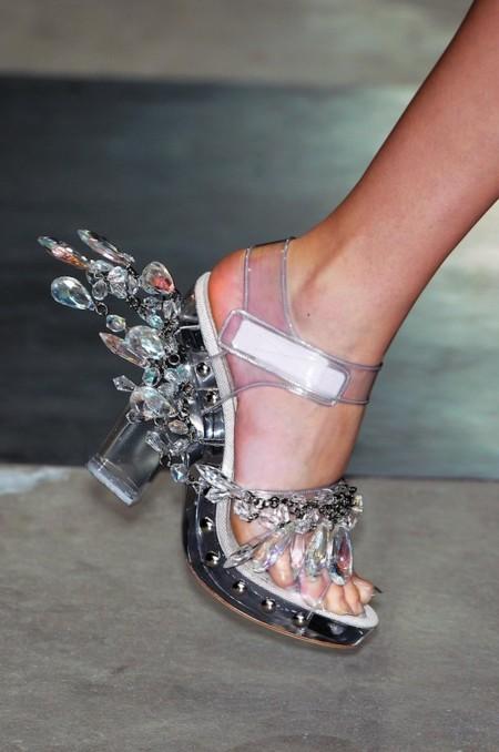 Clonados y pillados: años más tarde Asos clona las sandalias-joya de Prada