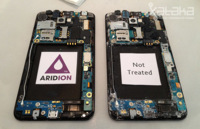 Así funciona Aridion, la cobertura hidrófuga del Motorola Razr