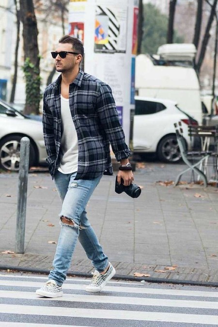 Los Cuadros Invaden El Mejor Street Style De La Semana Este Otono Alrededor Del Mundo 09