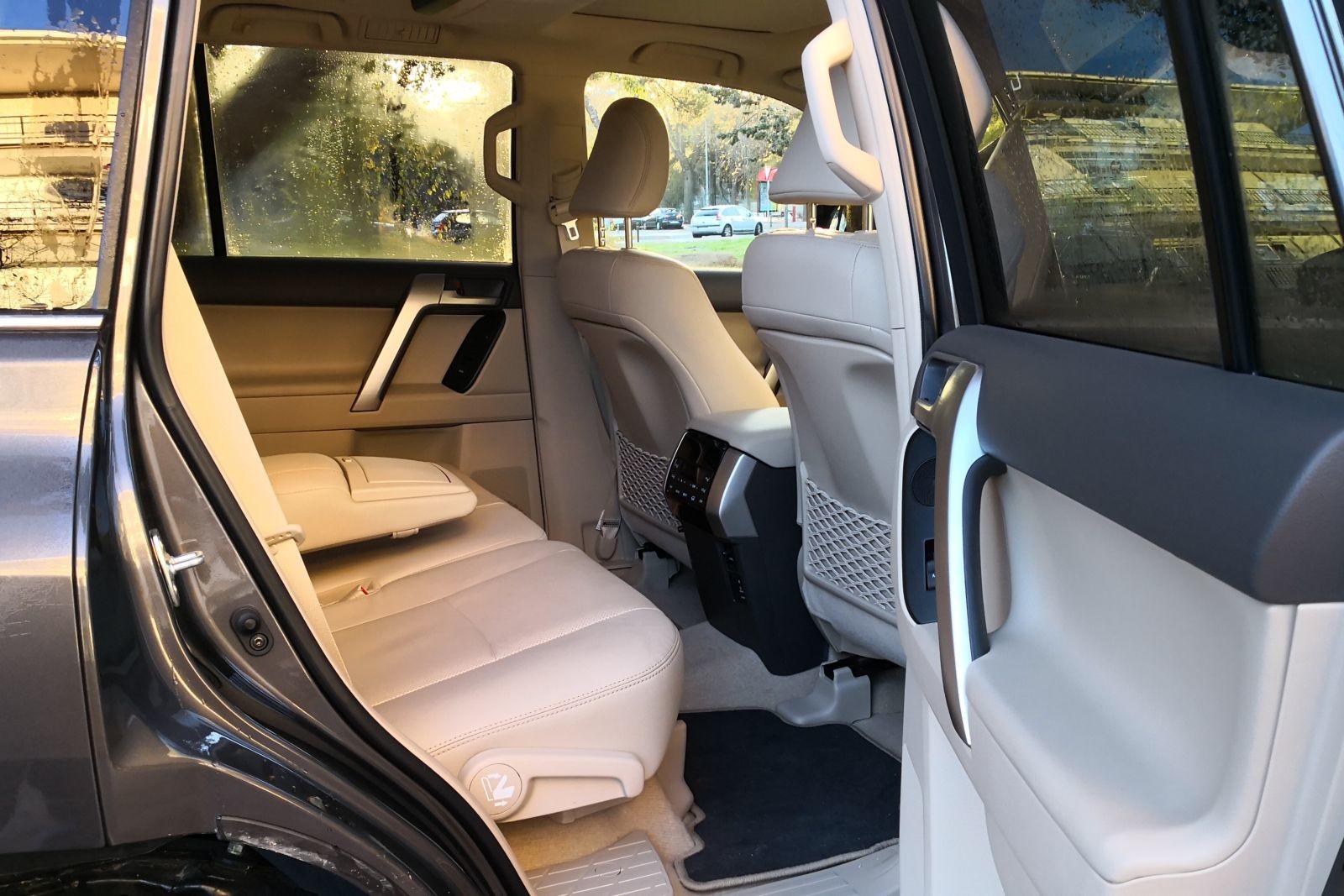 Foto de Toyota Land Cruiser Limited - Fotos interiores (14/25)