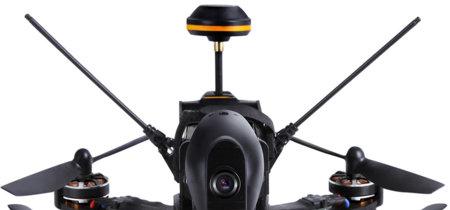 Siete drones de competición listos para sacarlos a hacer carreras