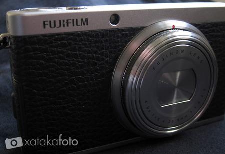 Fujifilm XF1 frontal