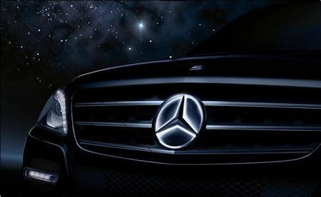 La estrella de Mercedes-Benz tendrá sistema de iluminación propio