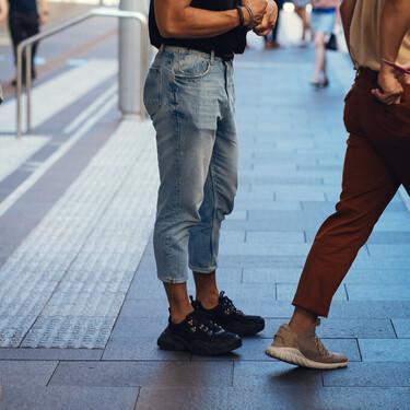 Las ofertas en zapatillas negras Adidas, Vans y Converse con las que conseguir el mejor estilo urbano