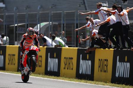 Motorpasión a dos ruedas: prueba de la Honda VFR 800 F y el dominio de Marc Márquez en Jerez