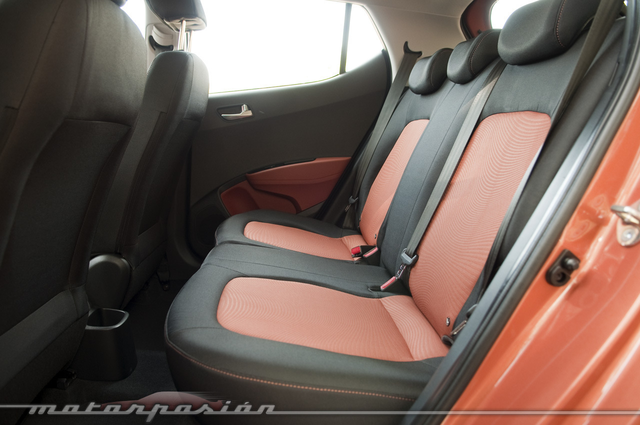 Foto de Hyundai i10 2013 (presentación) (24/28)