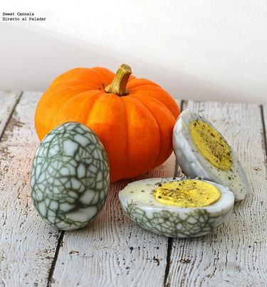 Huevos de telaraña. Receta de Halloween