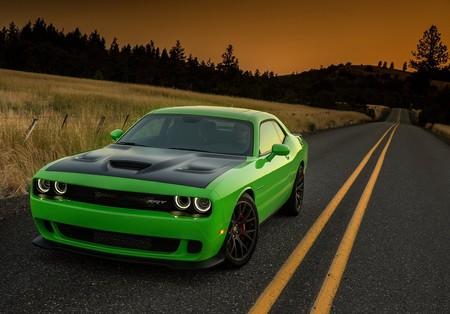 Un Dodge Hellcat es el coche con +700 hp más accesible, pero, ¿qué más hay con ese desempeño?