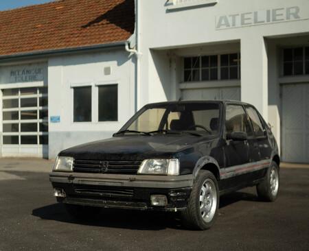 Peugeot vuelve a vender el Peugeot 205 GTI...restaurado como nuevo por su museo