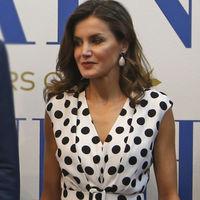 Doña Letizia se apunta a la tendencia de lunares con este fabuloso vestido