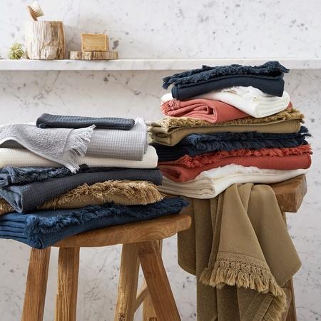 Las toallas han sufrido mucho desgaste durante el confinamiento; once propuestas para renovarlas con estilo