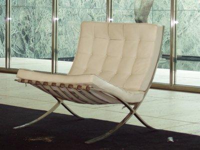 Mies van der Rohe no diseñó solo la silla Barcelona, pero el nombre de Lilly Reich ha caído en el olvido