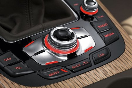 Audi A4 2012 8