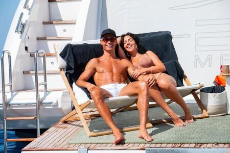 El morreo en alta mar de Cristiano Ronaldo y Georgina Rodríguez (en medio de unas vacaciones que, si eres de envidia fácil, mejor no ver)