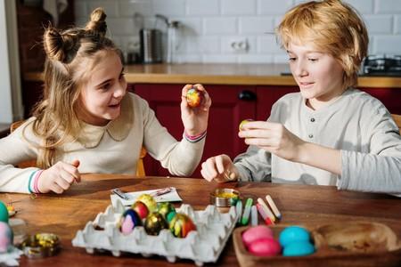 25 manualidades de Pascua fáciles y bonitas para hacer con los niños en Semana Santa